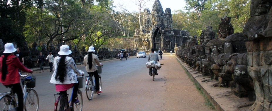 Explore the wonders of Angor Wat Cambodia